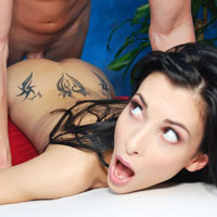 sexy-raven-hair-tristan-kingsley-fucked-hard-by-her-massage-therapist